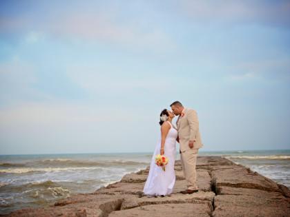 Galveston Beach Wedding – Megan & Jeff's Wedding Photography Portfolio
